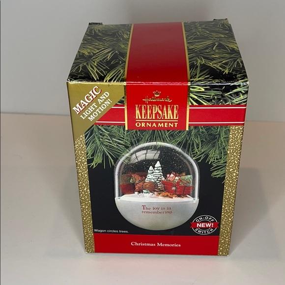 Hallmark Christmas Memories 1990